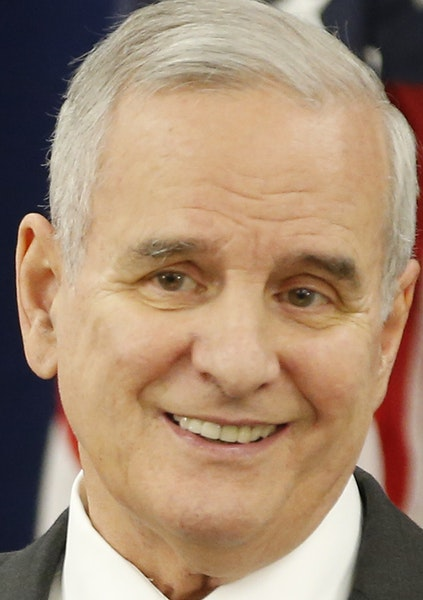 Gov. Mark Dayton said he'll veto a $260M tax cut if a special session isn't called by Monday.