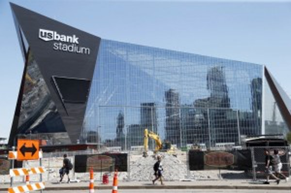 New Falcons stadium: $2 hot dogs, $5 beers, pricey seats. How do Vikings compare?