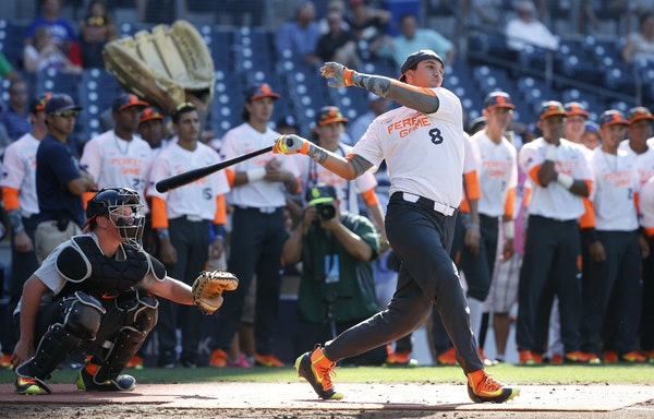 Alex Kirilloff. from New Kensington, Pa., during the home run derby at Perfect Game All-American Classic high school baseball game Sunday, Aug. 16, 20