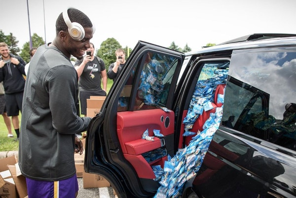 Vikings flood rookie Treadwell's ride with fruity 21st birthday gifts