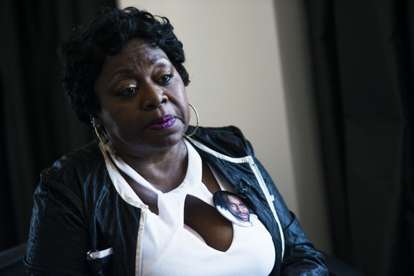 """""""I want to remember him when I gave him a kiss, and he walked out the door,"""" Valerie Castile said Tuesday, explaining why she hasn't watched video str"""