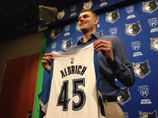 Cole Aldrich, a lifelong Wolves fan, says he'll 'do all I can' to win