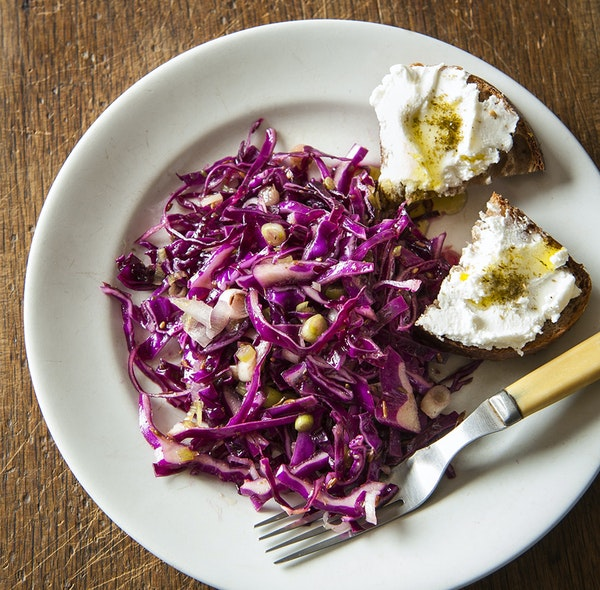 Fresh Red Cabbage and Fennel Slaw