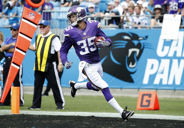 Marcus Sherels (35) returned a punt 54 yards for a touchdown in the second quarter.