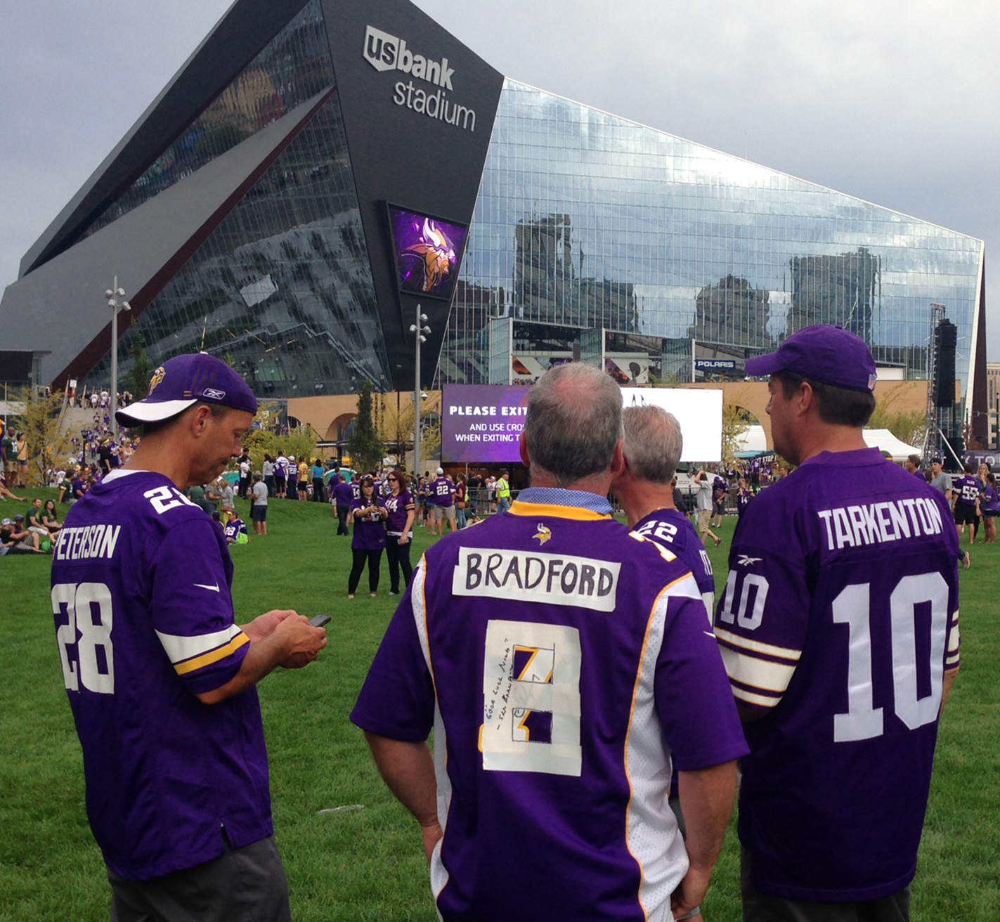 Makeshift Sam Bradford jersey stands out above those of (many ...