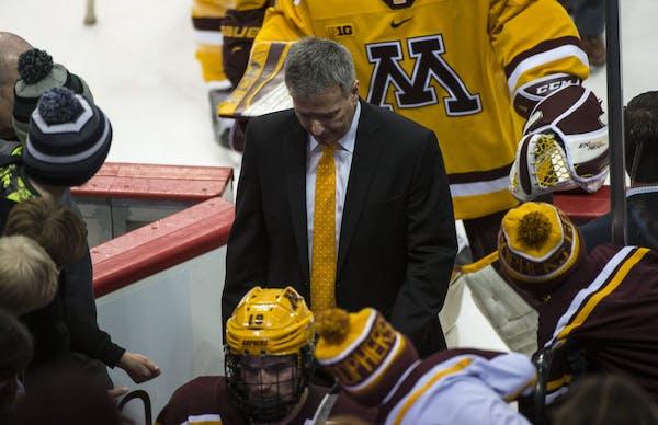 Minnesota Golden Gophers head coach Don Lucia