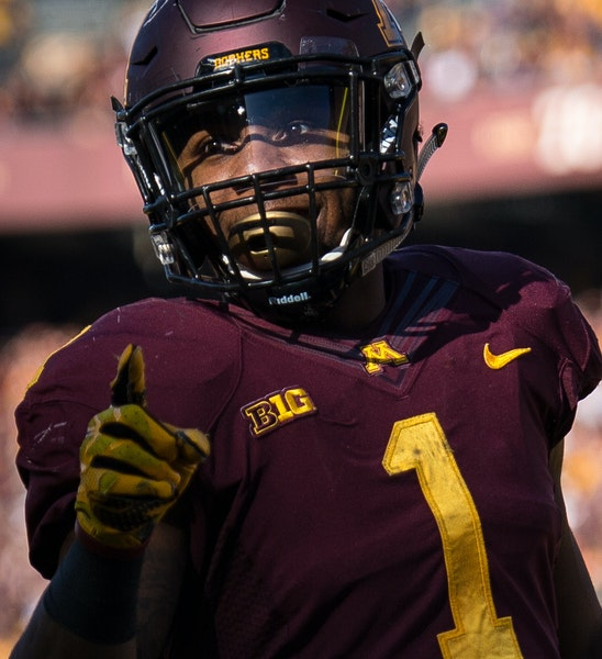 Minnesota Golden Gophers running back Rodney Smith (1) celebrated a rushing touchdown against the Rutgers Scarlet Knights in the first quarter Saturda