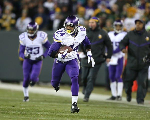 Minnesota Vikings cornerback Captain Munnerlyn (24)