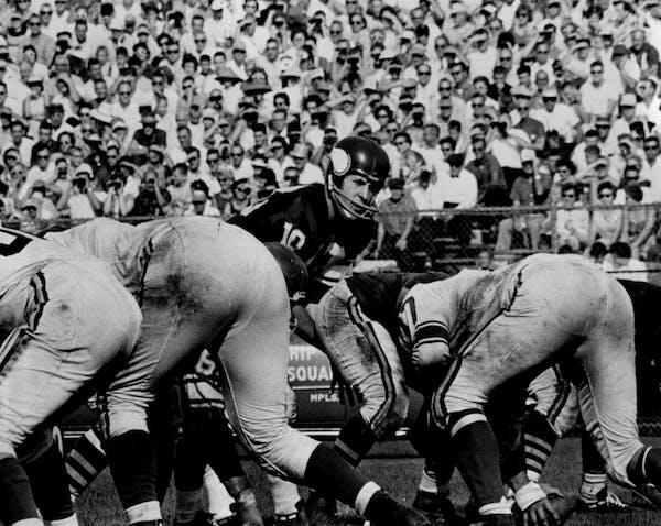 October 26, 1961: Vikings QB Francis Tarkenton probes the defense