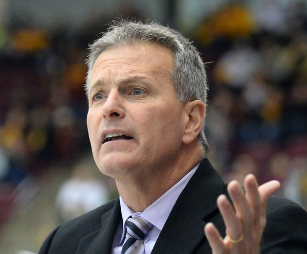 Don Lucia became the second college hockey coach to reach 700 victories this month.
