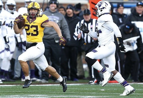 Gophers running back Shannon Brooks took off on a 32-yard run aginst Northwestern on Saturday at TCF Bank Stadium, where the home team put together an