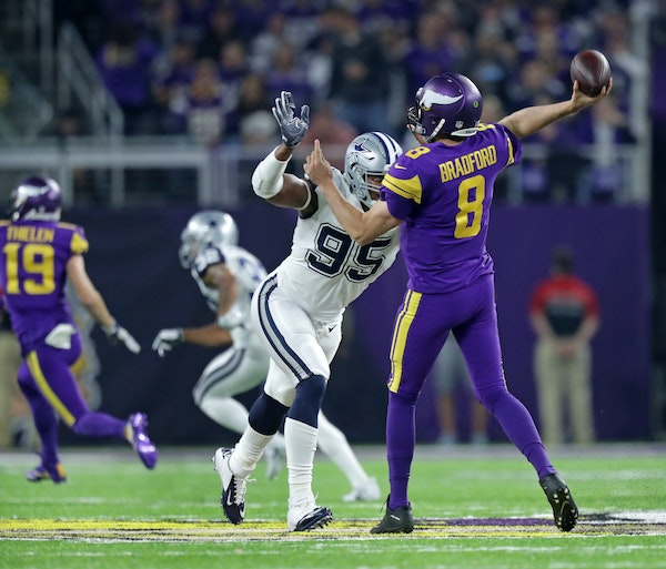 Brian Robison blasts officiating in Vikings loss to Dallas