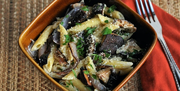 Penne With Roasted Mushrooms, Onions and Goat Cheese