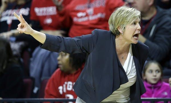 Minnesota head coach Marlene Stollings