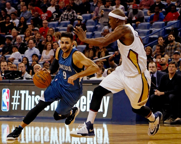 Timberwolves guard Ricky Rubio, who drove to the basket Wednesday night against the Pelicans' Dante Cunningham, has struggled recently with an elbow