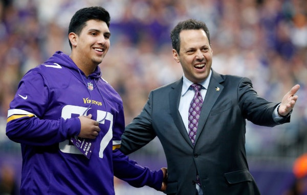 Vikings surprise teenager with car at Sunday's game
