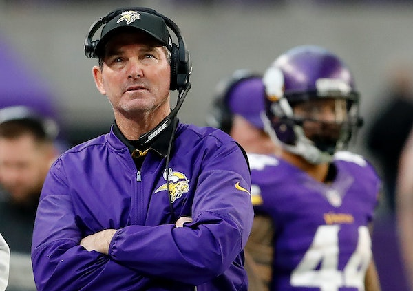 Vikings coach Mike Zimmer had a feeling early Sunday that something was wrong with his team before playing the Colts at U.S. Bank Stadium. He was righ