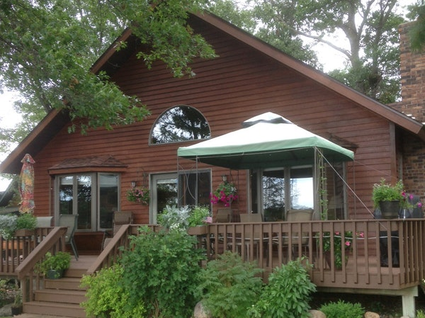 The cabin life story carries on with a new dwelling that was built in the early 1990s.