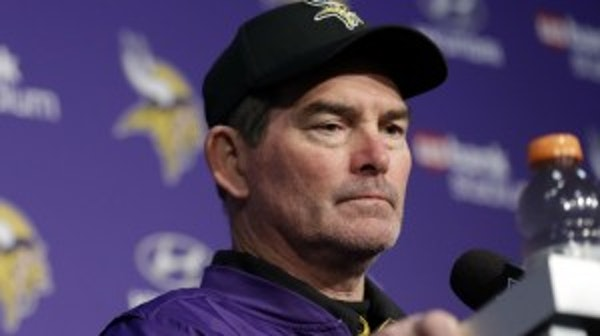 Vikings coach Mike Zimmer scheduled for two more eye procedures