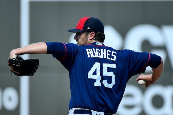Minnesota Twins starting pitcher Phil Hughes