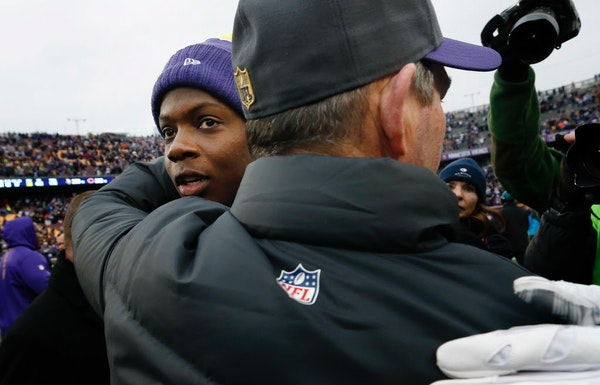 Vikings quarterback Teddy Bridgewater embraced coach Mike Zimmer at the end of a 2015 game.
