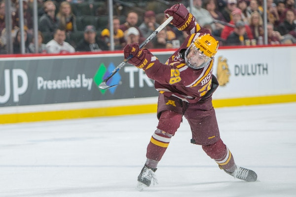 Gophers defenseman Jake Bischoff signed with the Islanders on Tuesday. Photo by Matt Blewett for the Star Tribune.