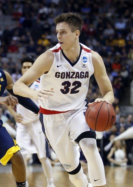 Freshman Zach Collins is the latest of versatile Gonzaga big men.