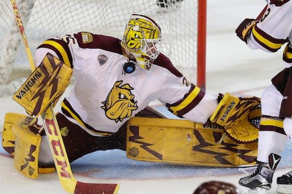 Minnesota-Duluth goalie Hunter Miska