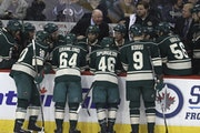Wild coach Bruce Boudreau spoke to his team during a timeout in the first period against the Jets in Winnipeg.