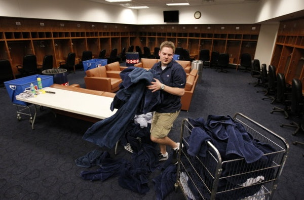 Twins tell Tigers to disinfect clubhouse after Boston players get sick