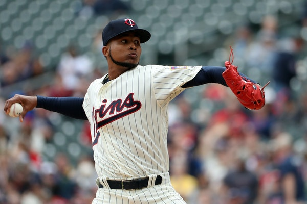 Minnesota Twins starting pitcher Ervin Santana (54) delivered a pitch in the first inning.