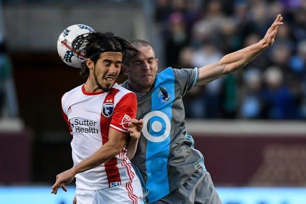 Minnesota United midfielder Sam Cronin and San Jose midfielder Jahmir Hyka battled for a header in the first half Saturday.