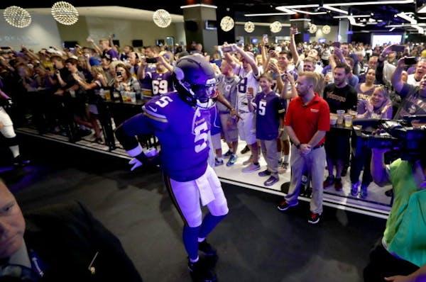 Despite injury, Teddy Bridgewater tops Vikings players merchandise sales
