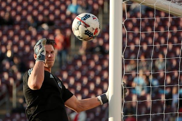 Minnesota United goalkeeper Bobby Shuttleworth (33) warmed up prior to the match vs. Real Salt Lake.