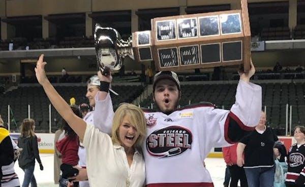 Gophers hockey recruit from California celebrates USHL title