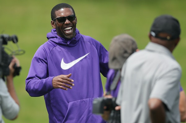 Former Vikings star receiver Randy Moss shared some laughs with players and staff during Wednesday's minicamp session at Winter Park.