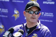 Vikings coach Mike Zimmer is deteremined to press on after eight eye surgeries.