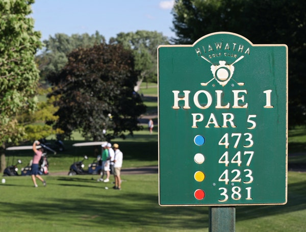 Hiawatha Golf Course in Minneapolis could close if city and state officials force an end to groundwater pumping.