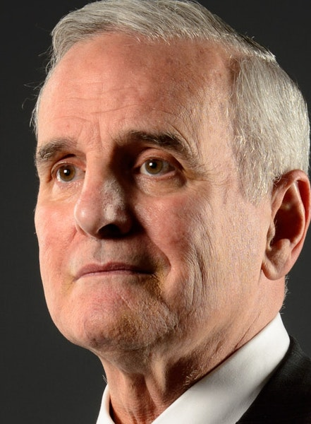 Gov. Mark Dayton agreed Friday to a deal to extend legislative funding until Oct. 1.