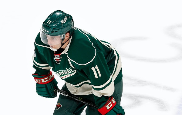 Zach Parise (11) skated off the ice at the end of the game. Chicago beat Minnesota by a final score of 5-3. ] CARLOS GONZALEZ • cgonzalez@startribun