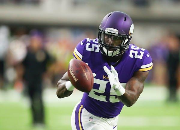 Minnesota Vikings running back Latavius Murray