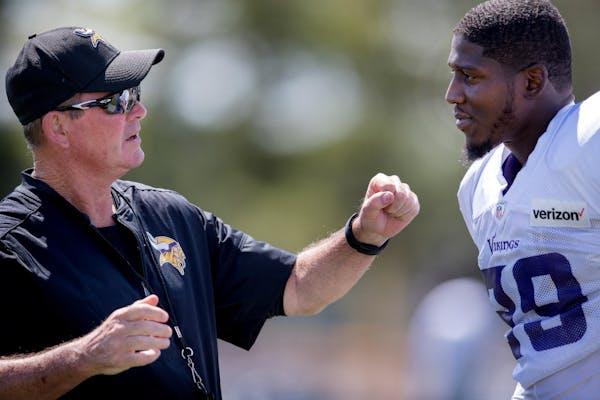 Rhodes among NFL's worst corners, Alexander is Vikings' best?
