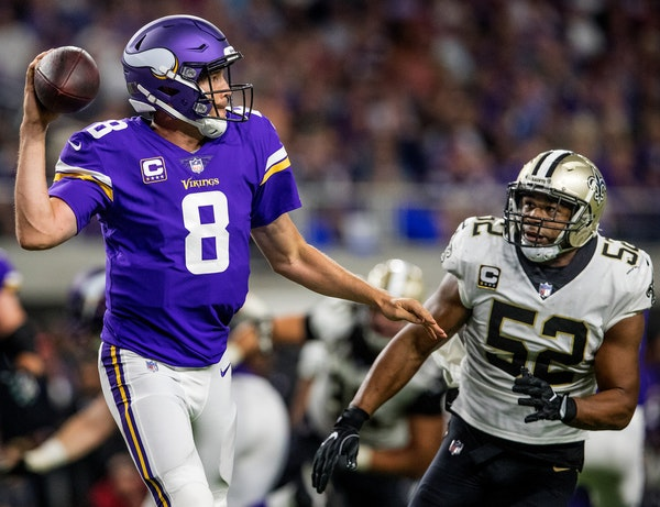 Bradford practices with Vikings, still 'limited'