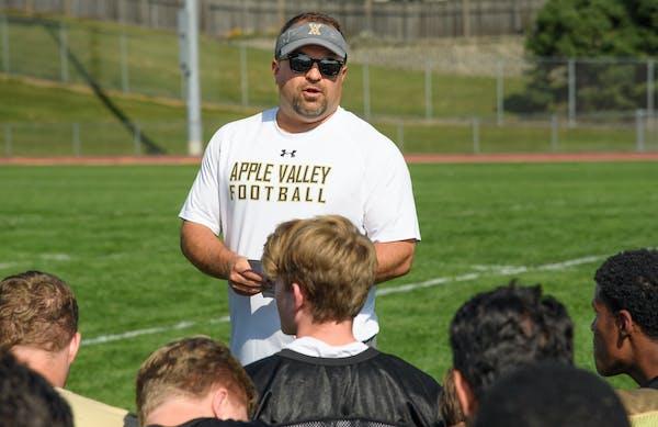 Apple Valley High School football Coach Chad Clendening. ] GLEN STUBBE • glen.stubbe@startribune.com Thursday, September 21, 2017 Football Friday ad