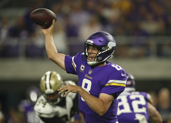 Minnesota Vikings quarterback Sam Bradford's status remains questionable heading into Sunday's game against the Tampa Bay Buccaneers. (Jeff Wheele