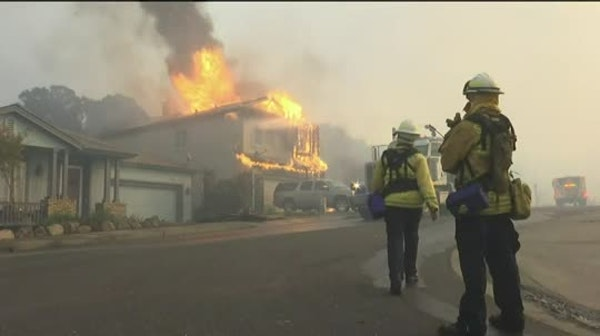 Wildfires destroy 1,500 structures in wine country
