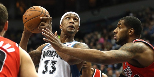 Veteran free agent and former Timberwolves forward Dante Cunningham has agreed to re-sign with New Orleans, according to a report by the Vertical on T