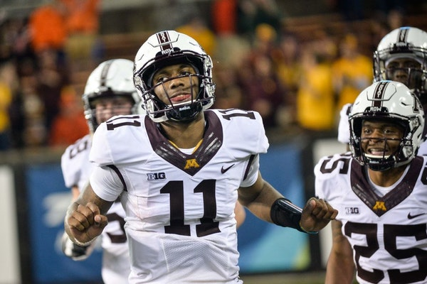 Minnesota Golden Gophers quarterback Demry Croft (11) celebrated his fourth quarter touchdown on Saturday against the Oregon State Beavers.