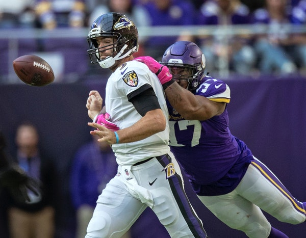 Vikings defensive end Everson Griffen sacked Ravens quarterback Joe Flacco on the final drive of the game Sunday. Griffen is one reason the offense ha