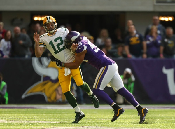 Aaron Rodgers: Vikings' Barr made obscene gestures after knockout play
